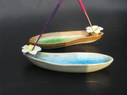 Ceramic BLUE Frangipani, boat shape 13mm